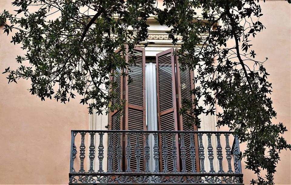 byt_s_balkonem