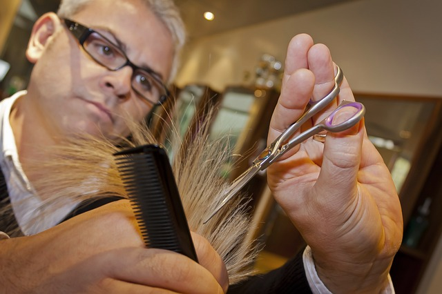 sestřih vlasů